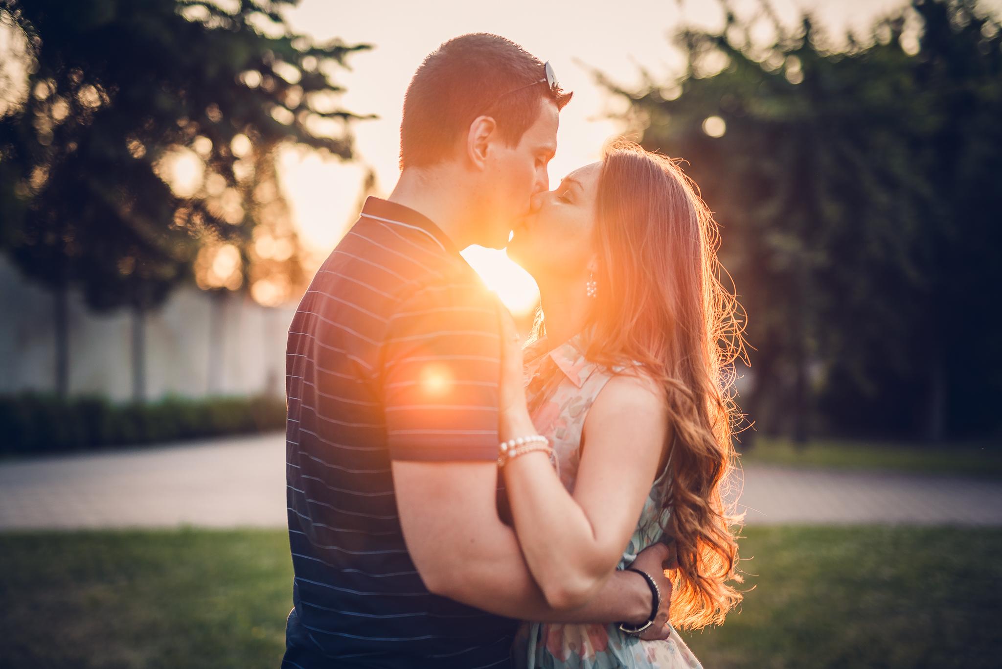 láska, príroda, love, západ slnka, sunset, romantika, bozk, kiss, radosť, zamilovaný pár, Slavín, Bratislava