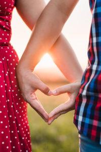 srdce, ruky, dlane, západ slnka, láska, pár, Žilina