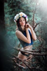 kvety, les, čelenka, krása, neha, ženskosť, glamour, portrét, fashion, vášeň, túha, láska, príroda, dievča, žena