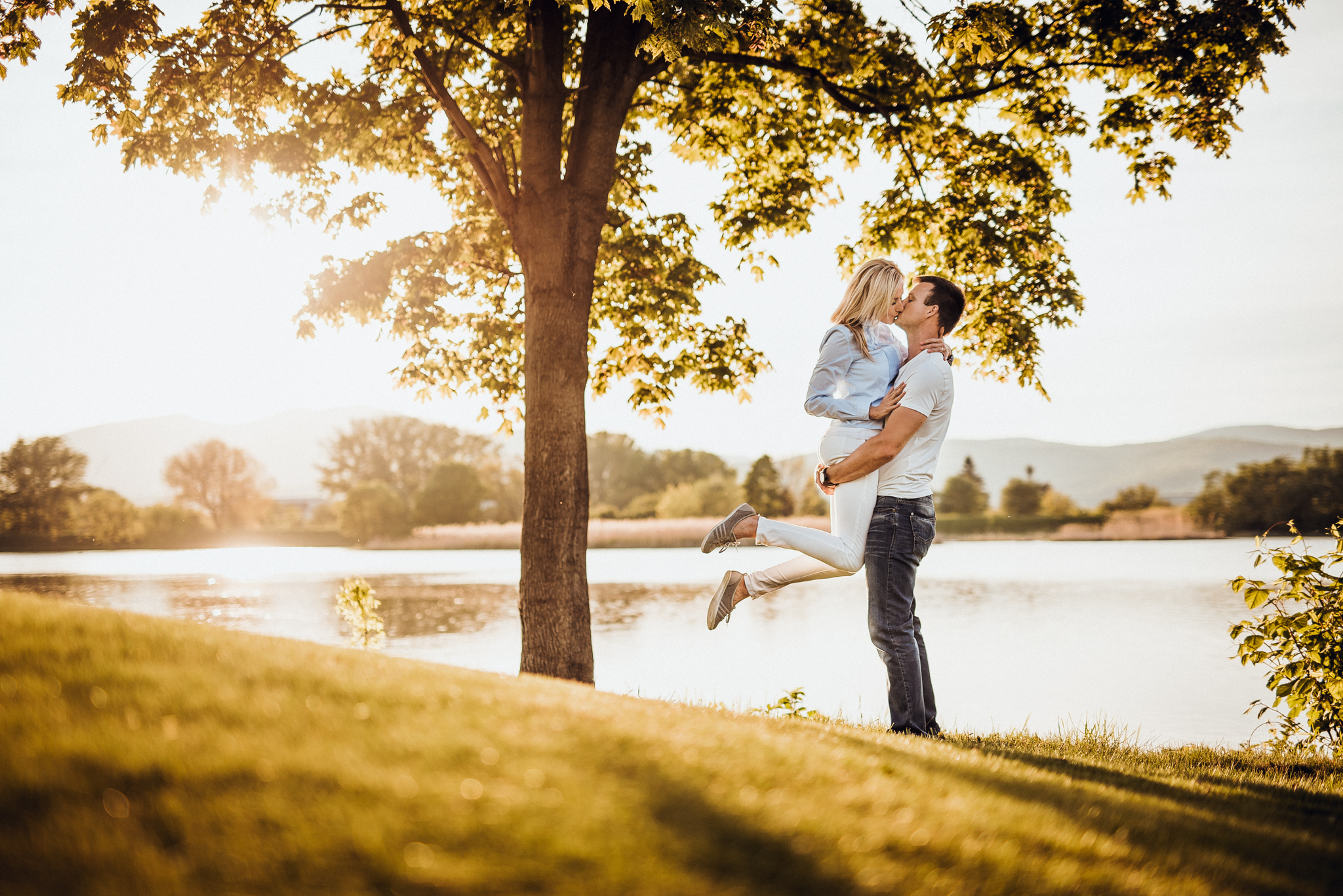 láska, pár, bozk, príroda, západ slnka, Trenčín, golfové ihrisko, rieka, Váh