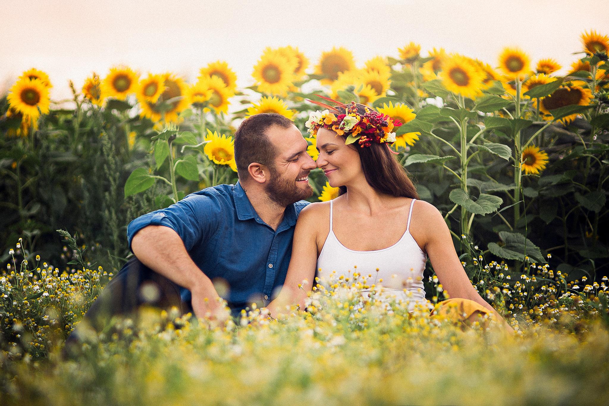 pár, láska, kvety, slnečnice, kamilky, jar